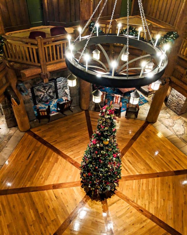 Boulder Ridge Lobby at Christmas