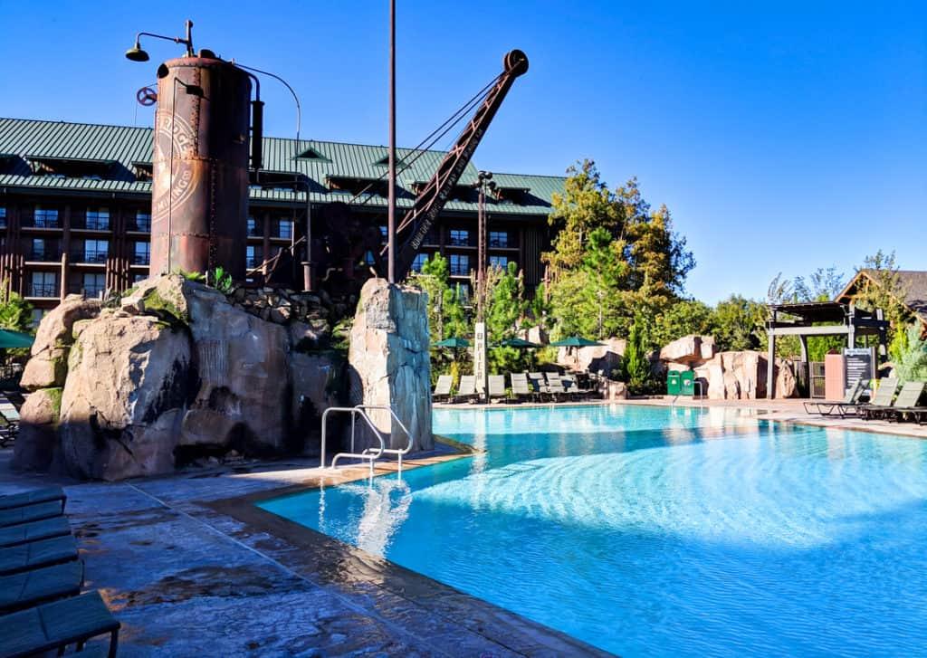 Boulder Ridge Pool Wilderness Lodge