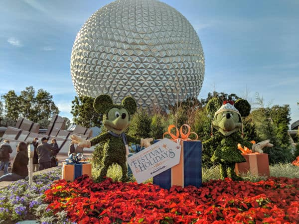 Mickey and Minnie topiary during Epcot International Festival of the Holidays