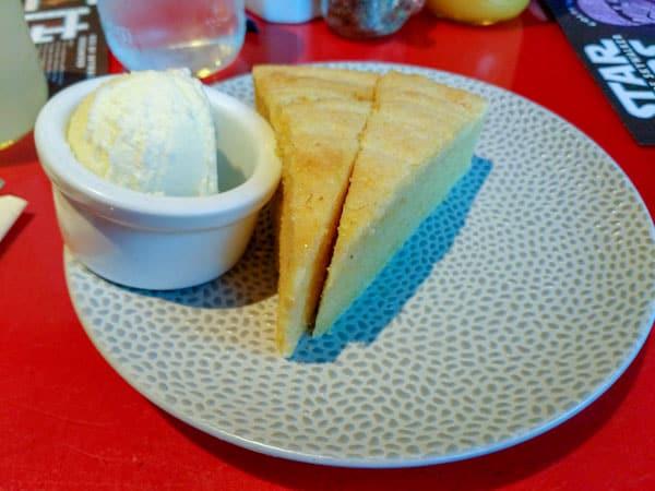 gluten free cornbread at Whispering Canyon Cafe