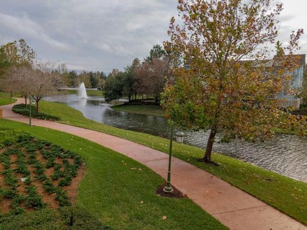 Saratoga Springs resort image of jogging path