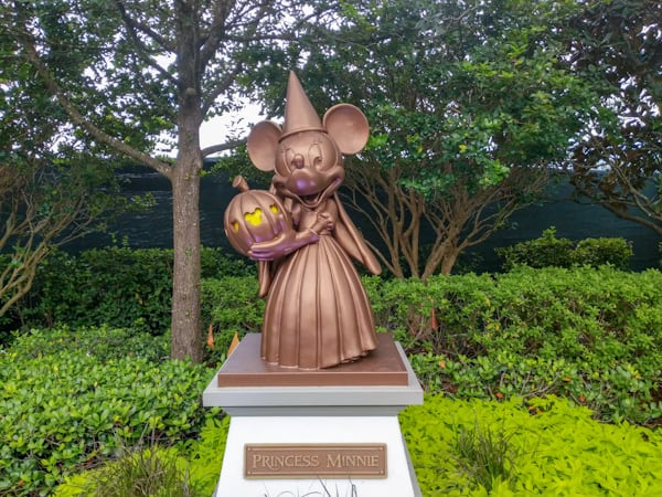 Disney World in fall, Halloween Minnie