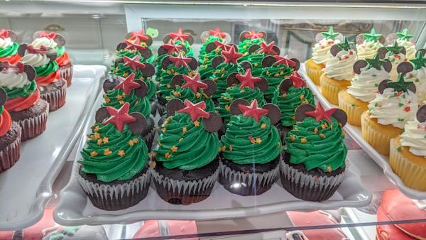 Christmas Cupcakes at Magic Kingdom