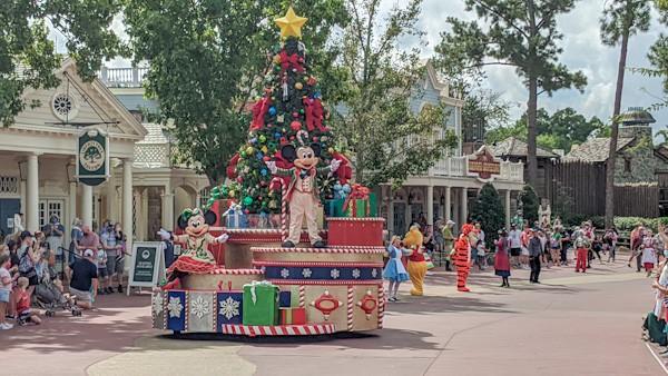 Magic Kingdom Christmas - Character Cavalcade with Mickey and Minnie