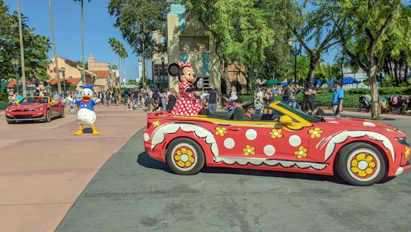 Character cavalcade, one of the changes when visiting Disney during a pandemic